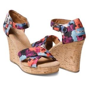 TOMS Strappy Wedge Oahu